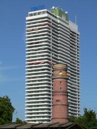 Alter und neuer Leuchtturm - Hotel Maritim