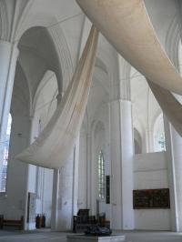 Segel in Lübecks Dom