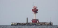 Der Leuchtturm Kiel steht weit draußen !