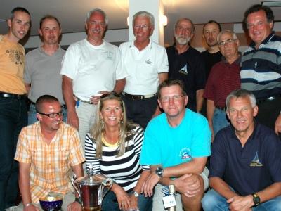 Die 12-köpf. Crew um Hubert Raudaschl (hinten Mitte)