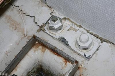Schaden an der Kielbefestigung der SCHLOSS ORT