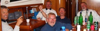 v.r.n.l.: Flaschen wie Dieter, Harry, Peter, Werner, Toni (und Gerhard an der Kamera)