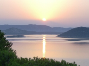 Sonnenaufgang über Ravni Kotari