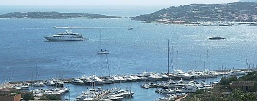 Blick über die Marina di Portisco
