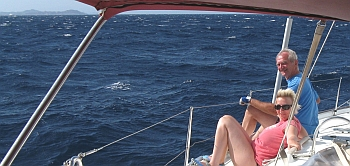 Romana und Werner genießen die Spritzfahrt