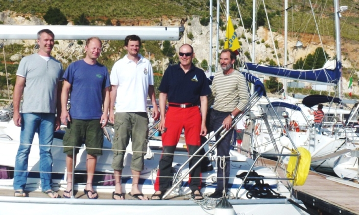 cup12-crew-p1-schiff
