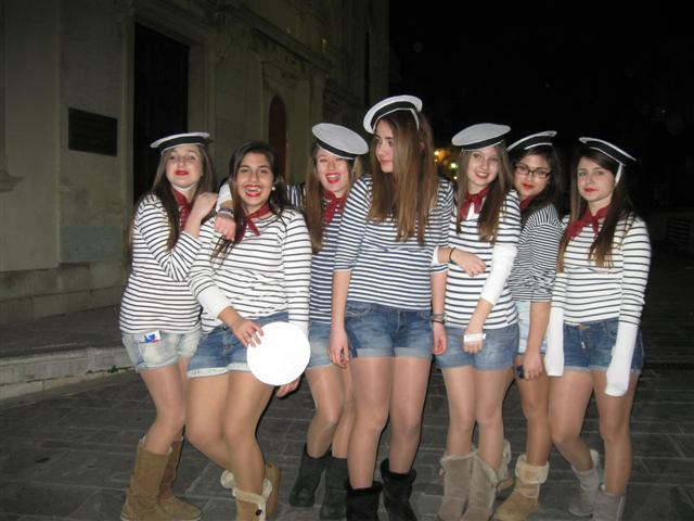 grec12-t5b1-01-girls
