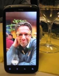 wei12-10-2-smartphone