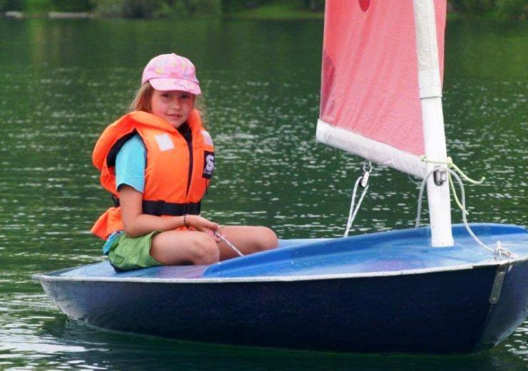 jug14-04-ronja-sailing