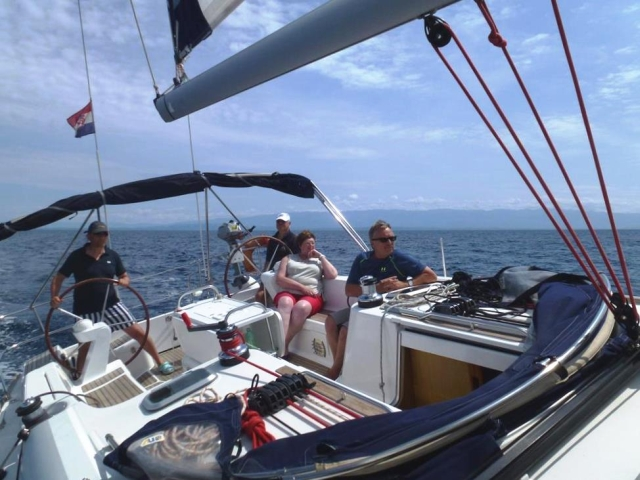 mar14-t2-16-happy-sailing