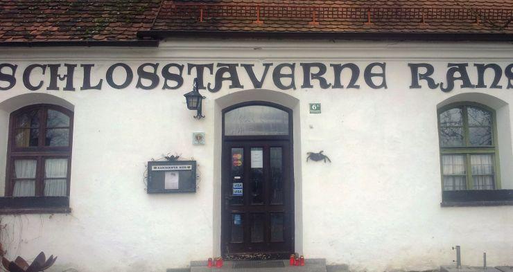 son14-js04-schloss-taverne