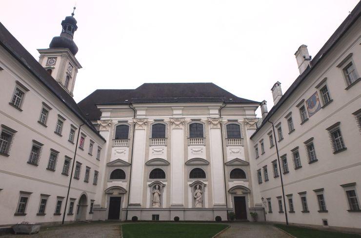 hfa15-018-stiftshof