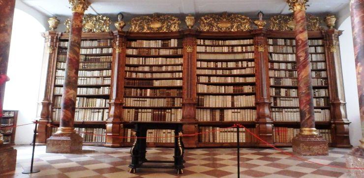 hfa15-025-bibliothek