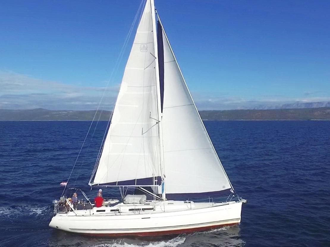 mar17 125 t7 cara mia unter vollen segeln