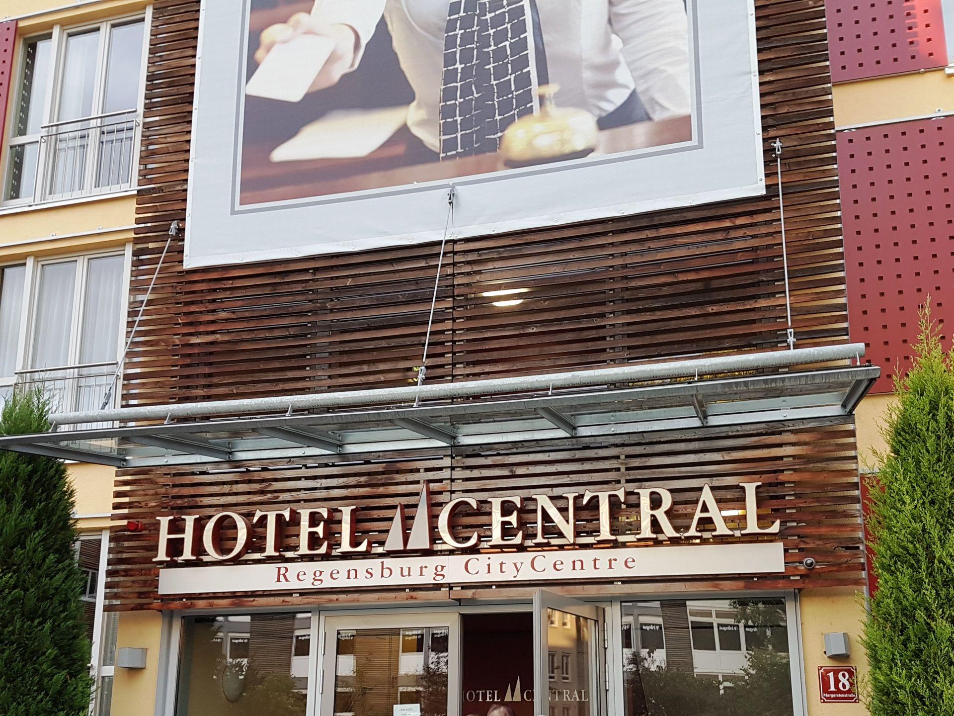 reg17 43 hotel zentral