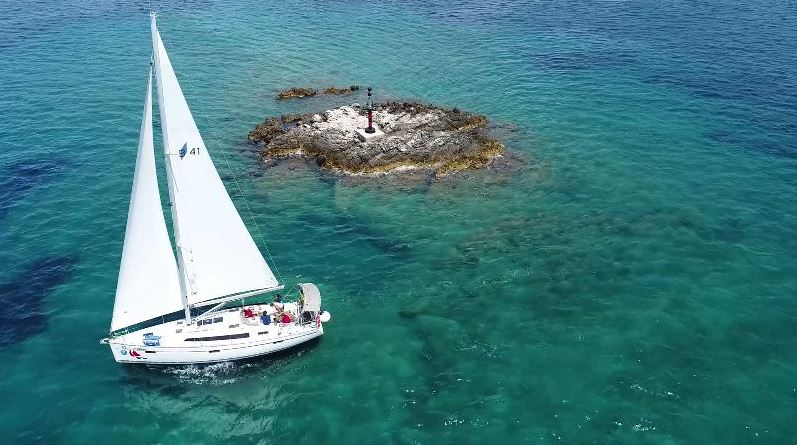 lin18 03 sailing b41s